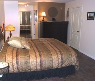 Photo 12: 210 14965 Marine Dr in Pacifica: Home for sale