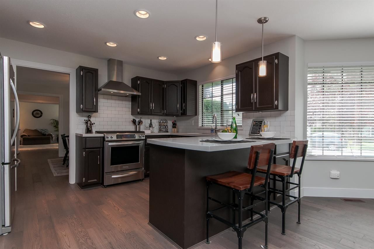 "Photo 3: Photos: 10626 FRASERGLEN Drive in Surrey: Fraser Heights House for sale in ""Fraser Glen"" (North Surrey)  : MLS®# R2002623"