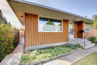 Photo 3: 4719 26 Avenue SW in Calgary: Glenbrook Detached for sale : MLS®# A1145926