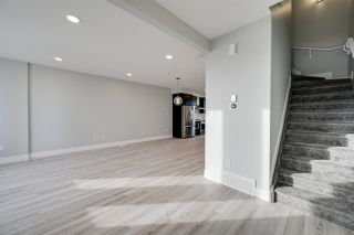 Photo 2: 2796 Blatchford Road in Edmonton: Zone 08 Attached Home for sale : MLS®# E4212787