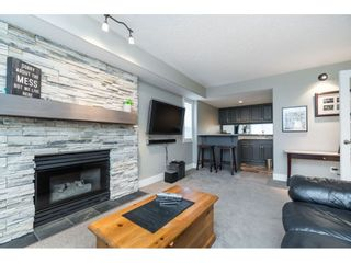 """Photo 13: 87 4001 OLD CLAYBURN Road in Abbotsford: Abbotsford East Townhouse for sale in """"Cedar Springs"""" : MLS®# R2419759"""