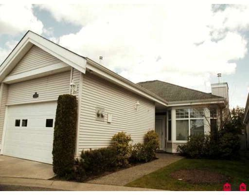 """Main Photo: 17 20770 97B Avenue in Langley: Walnut Grove Townhouse for sale in """"Mundy Creek"""" : MLS®# F2808052"""