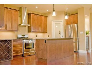 Photo 2: 3633 Coleman Place in Victoria: Co Latoria House for sale (Colwood)  : MLS®# 302702