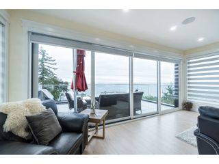 """Photo 15: 1105 JOHNSTON Road: White Rock House for sale in """"Hillside"""" (South Surrey White Rock)  : MLS®# R2511145"""