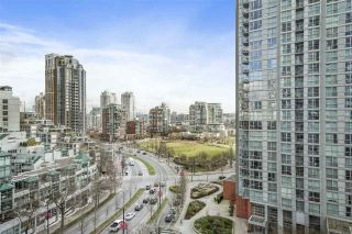 """Photo 2: 1201 1438 RICHARDS Street in Vancouver: Yaletown Condo for sale in """"AZURA 1"""" (Vancouver West)  : MLS®# R2541514"""