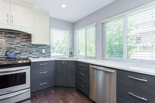 """Photo 5: 35441 CALGARY Avenue in Abbotsford: Abbotsford East House for sale in """"SANDY HILL"""" : MLS®# R2595904"""