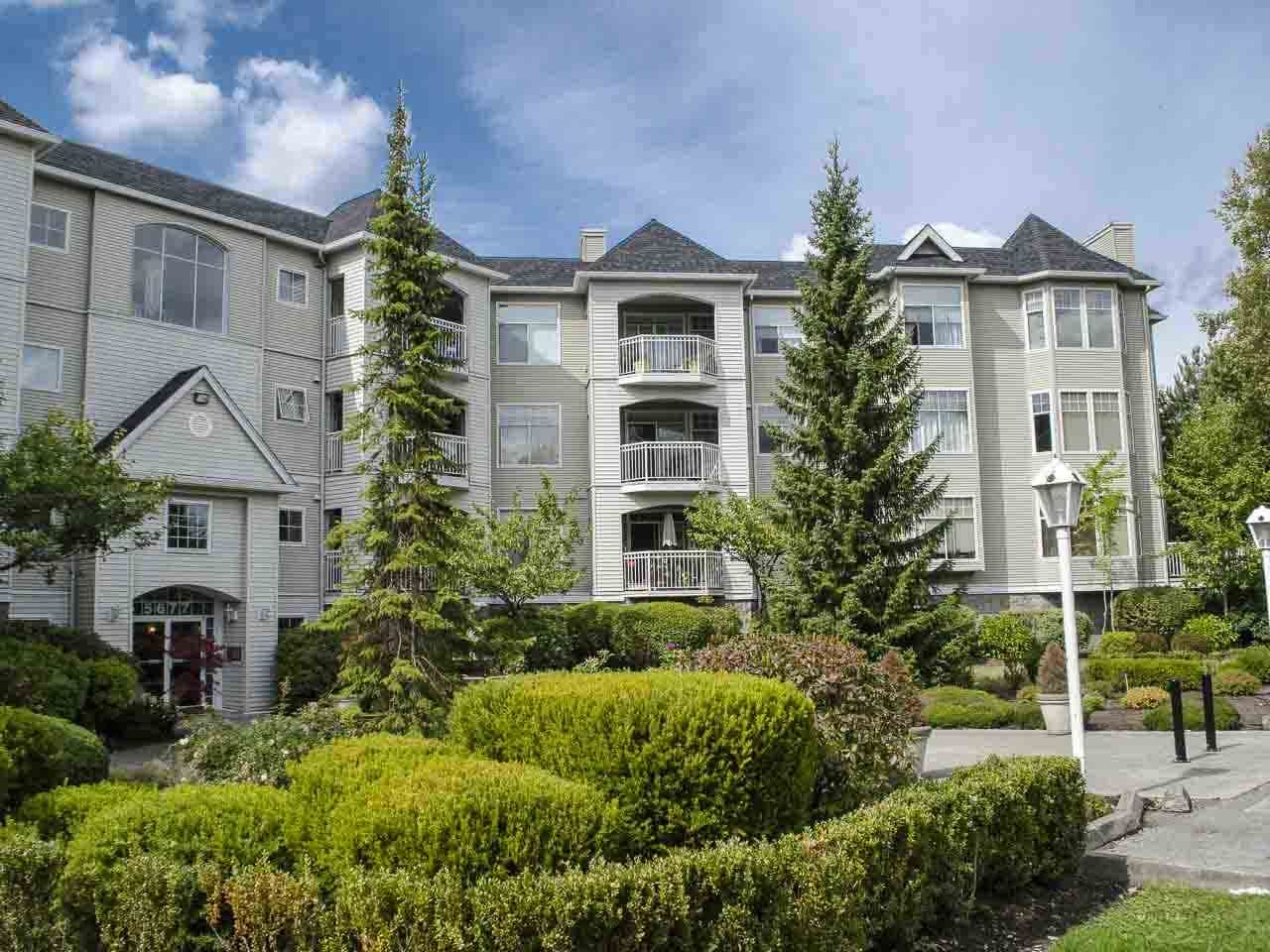 """Main Photo: 303 5677 208 Street in Langley: Langley City Condo for sale in """"IVY LEA"""" : MLS®# R2000017"""