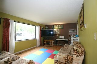 Photo 5: 8666 AUGUST Drive in Surrey: Fleetwood Tynehead House for sale : MLS®# R2382819