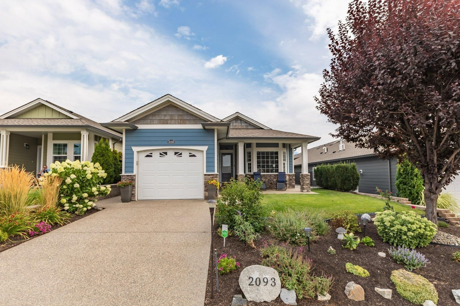 Main Photo: 2093 Acorn Crescent, in West Kelowna: House for sale : MLS®# 10240888