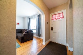 Photo 3: 315 SACKVILLE Street in Winnipeg: St James Residential for sale (5E)  : MLS®# 202105933