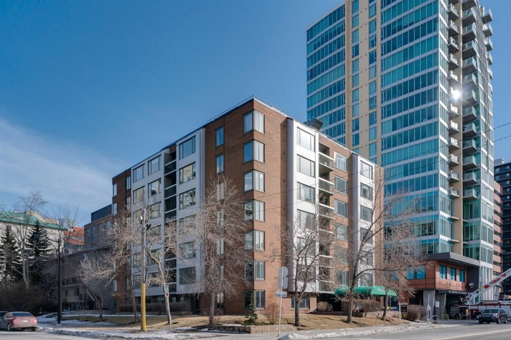 Main Photo: 360 310 8 Street SW in Calgary: Eau Claire Apartment for sale : MLS®# A1064376