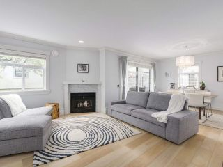 """Photo 3: 38 889 TOBRUCK Avenue in North Vancouver: Hamilton Townhouse for sale in """"TOBRUCK GARDENS"""" : MLS®# R2209623"""