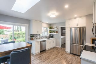 Photo 5: 24896 SMITH Avenue in Maple Ridge: Websters Corners House for sale : MLS®# R2594874