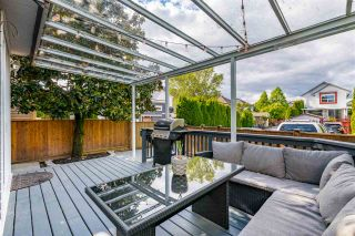 """Photo 17: 18461 65 Avenue in Surrey: Cloverdale BC House for sale in """"Clover Valley Station"""" (Cloverdale)  : MLS®# R2458048"""
