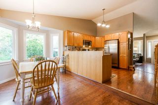 """Photo 7: 33197 TUNBRIDGE Avenue in Mission: Mission BC House for sale in """"Cedar Valley"""" : MLS®# R2552583"""