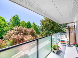 """Photo 17: 412 2333 TRIUMPH Street in Vancouver: Hastings Condo for sale in """"LANDMARK MONTEREY"""" (Vancouver East)  : MLS®# R2582065"""