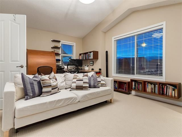 Photo 31: Photos: 40 COUGARSTONE Manor SW in Calgary: Cougar Ridge House for sale : MLS®# C4087798