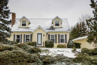 Photo 1: 1 CAPE VIEW Drive in Wolfville: 404-Kings County Residential for sale (Annapolis Valley)  : MLS®# 201921211