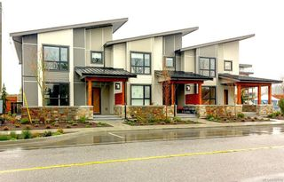 Photo 4: 7876 Lochside Dr in Central Saanich: CS Turgoose Row/Townhouse for sale : MLS®# 842774