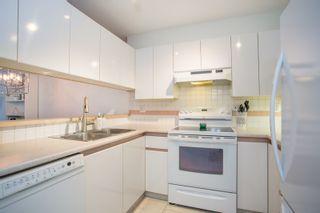 "Photo 3: 105 7465 SANDBORNE Avenue in Burnaby: South Slope Condo for sale in ""SANDBORNE HILL"" (Burnaby South)  : MLS®# R2336474"