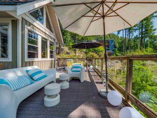 Photo 2: 4362 COASTVIEW DRIVE in Garden Bay: Pender Harbour Egmont House for sale (Sunshine Coast)  : MLS®# R2390091