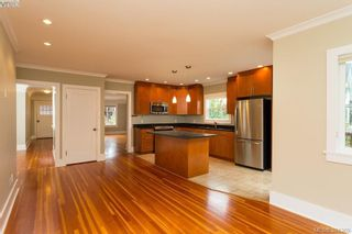 Photo 7: 540 Cornwall St in VICTORIA: Vi Fairfield West House for sale (Victoria)  : MLS®# 772591