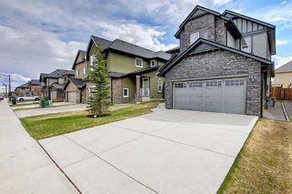 Photo 2: 47 ASPENSHIRE Drive SW in Calgary: Aspen Woods Detached for sale : MLS®# A1106772