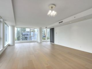 """Photo 13: 1002 1499 W PENDER Street in Vancouver: Coal Harbour Condo for sale in """"WEST PENDER PLACE"""" (Vancouver West)  : MLS®# R2583305"""