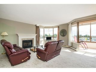 """Photo 5: 812 15111 RUSSELL Street: White Rock Condo for sale in """"PACIFIC TERRACE"""" (South Surrey White Rock)  : MLS®# R2593508"""