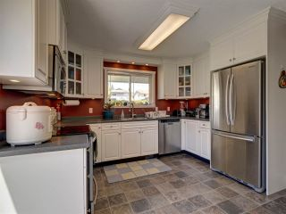 """Photo 2: 6345 ORACLE Road in Sechelt: Sechelt District House for sale in """"West Sechelt"""" (Sunshine Coast)  : MLS®# R2468248"""