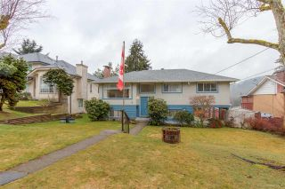 "Photo 1: 629 CLAREMONT Street in Coquitlam: Coquitlam West House for sale in ""OAKDALE/BURQUITLAM Coq West area"" : MLS®# R2147845"