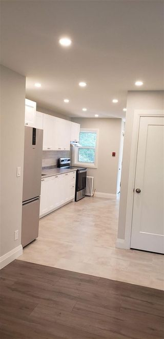 Photo 3: Apt 5 22 S Peter Street in Mississauga: Port Credit House (Apartment) for lease : MLS®# W5355230