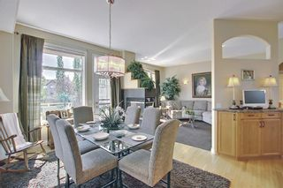 Photo 8: 31 Strathlea Common SW in Calgary: Strathcona Park Detached for sale : MLS®# A1147556
