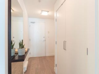 """Photo 3: 212 205 E 10TH Avenue in Vancouver: Mount Pleasant VE Condo for sale in """"The Hub"""" (Vancouver East)  : MLS®# R2621632"""