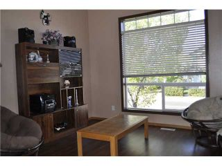 Photo 3: 663 ERIN WOODS Drive SE in CALGARY: Erinwoods Residential Detached Single Family for sale (Calgary)  : MLS®# C3539612