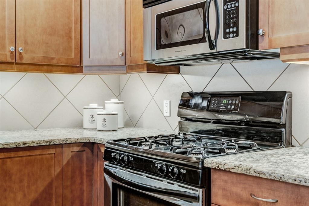 Photo 15: Photos: 102 509 21 Avenue SW in Calgary: Cliff Bungalow Apartment for sale : MLS®# A1100850