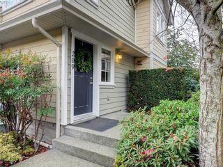 Photo 2: 209 2685 Deville Rd in VICTORIA: La Langford Proper Row/Townhouse for sale (Langford)  : MLS®# 802015