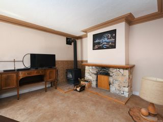 Photo 2: 902 Craigflower Rd in : Es Gorge Vale House for sale (Esquimalt)  : MLS®# 857939
