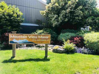 """Photo 2: 18 39752 GOVERNMENT Road in Squamish: Northyards Townhouse for sale in """"MOUNTAINVIEW MANR"""" : MLS®# R2593679"""