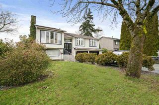Photo 2: 5853 184A Street in Surrey: Cloverdale BC House for sale (Cloverdale)  : MLS®# R2541624