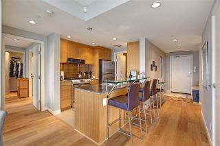 "Photo 4: 1802 638 BEACH Crescent in Vancouver: Yaletown Condo for sale in ""Icon"" (Vancouver West)  : MLS®# R2538936"