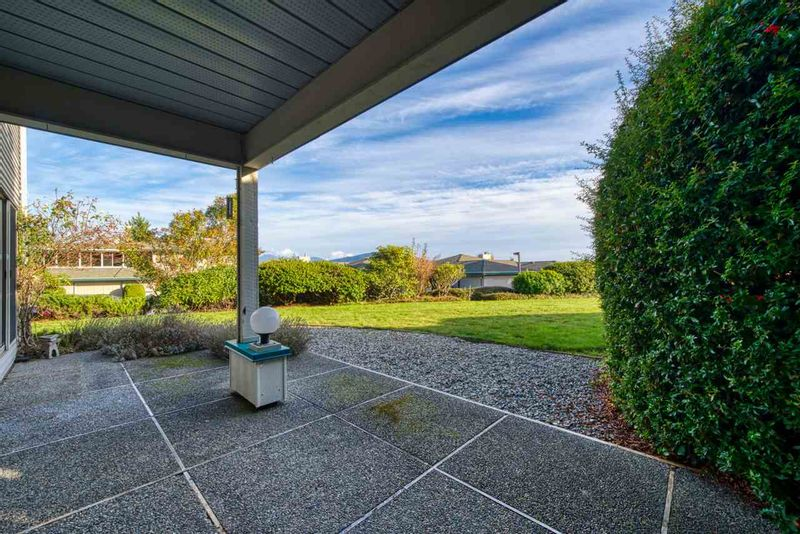 FEATURED LISTING: 7 - 554 EAGLECREST Drive Gibsons