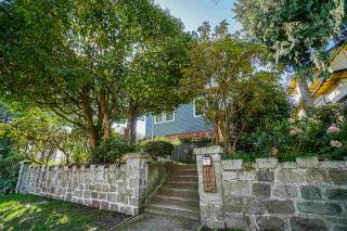 Photo 2: 230 W 15TH AVENUE in Vancouver: Mount Pleasant VW Townhouse for sale (Vancouver West)  : MLS®# R2571760