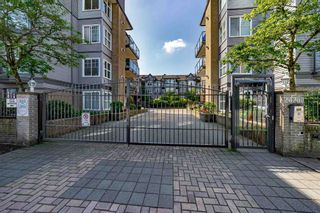 """Photo 2: #407 20200 56 Avenue in Langley: Langley City Condo for sale in """"The Bentley"""" : MLS®# R2598723"""