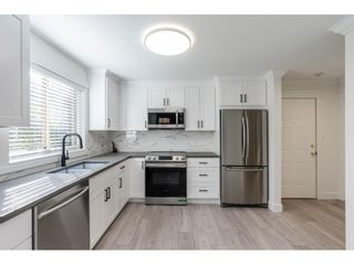 """Photo 3: 102 15440 VINE Avenue: White Rock Condo for sale in """"The Courtyards"""" (South Surrey White Rock)  : MLS®# R2520396"""