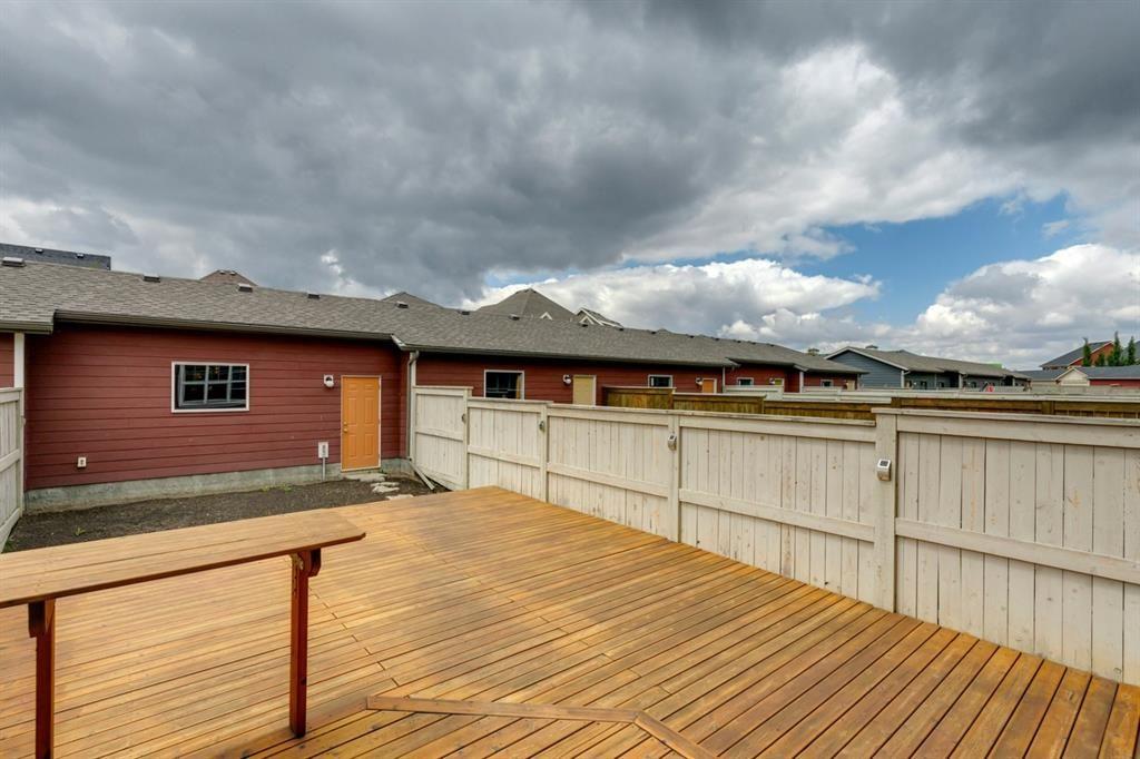 Photo 23: Photos: 33 Marine Drive SE in Calgary: Mahogany Row/Townhouse for sale : MLS®# A1124015