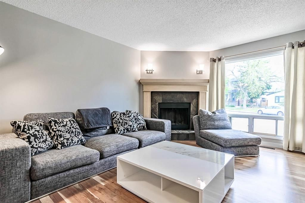 Photo 8: Photos: 2621C 1 Avenue NW in Calgary: West Hillhurst Row/Townhouse for sale : MLS®# A1111551