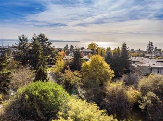 """Photo 9: 14376 NORTH BLUFF Road: White Rock House for sale in """"WEST WHITE ROCK"""" (South Surrey White Rock)  : MLS®# R2513653"""