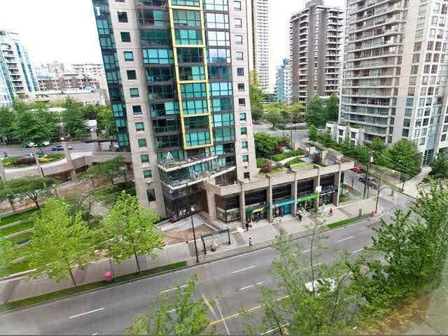 """Photo 8: Photos: 710 1333 W GEORGIA Street in Vancouver: Coal Harbour Condo for sale in """"THE QUBE"""" (Vancouver West)  : MLS®# R2420548"""