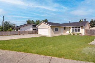 Photo 2: 20345 115 Avenue in Maple Ridge: Southwest Maple Ridge House for sale : MLS®# R2590240